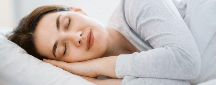 Fiori di Bach per dormire: quali scegliere contro l'insonnia